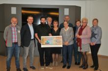 overhandiging cheque Sint-Antoniusviering 2017